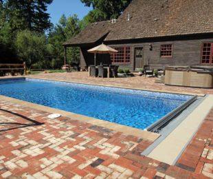 Kingston Fiberglass Pool