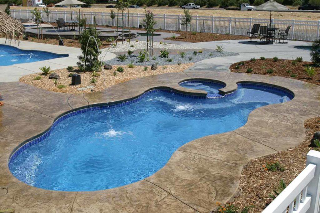 Laguna Deluxe Fiberglass Pool