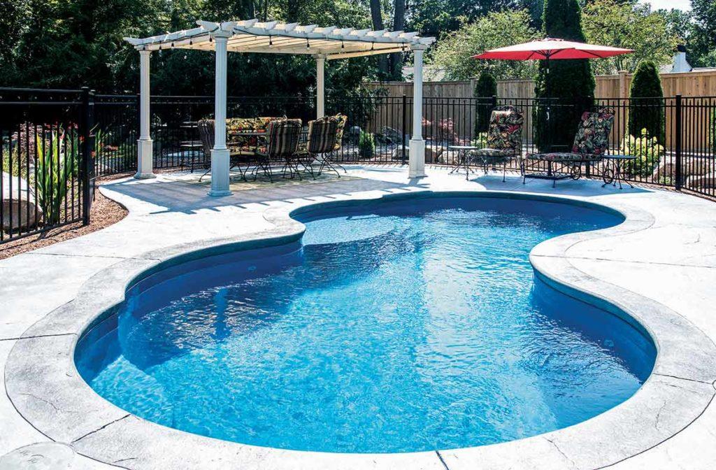Picasso Fiberglass Pool