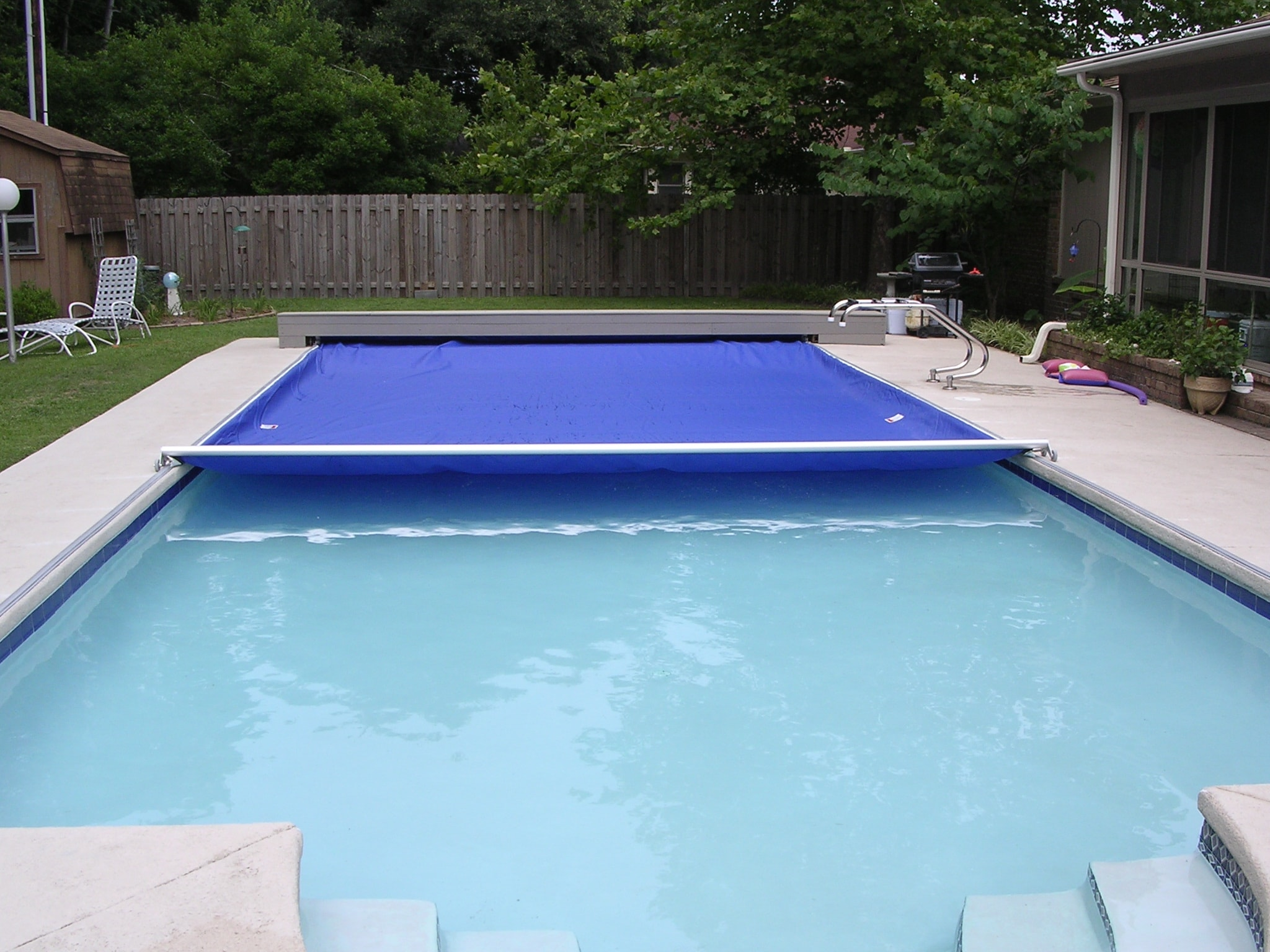 PCS-Automatic-Safety-Pool-Cover-Concealed-by-Bench.jpg