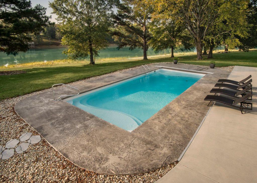 Latham Fiberglass Barcelona | PEARL WHITE G3 inground pool