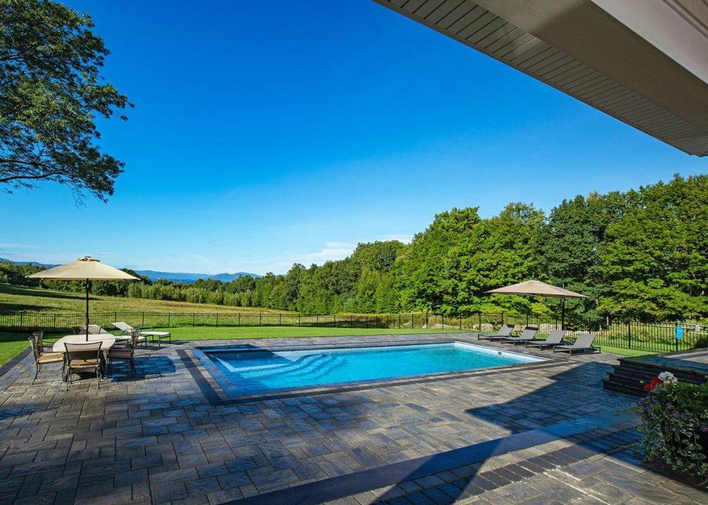 Latham Fiberglass Olympia | SAPPHIRE BLUE G2 inground pool